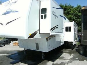 Immaculate 2 Bedrm Regal 5th Wheel