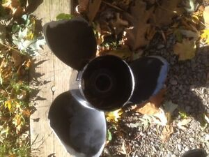 Two Damaged props (best offer) Kawartha Lakes Peterborough Area image 3