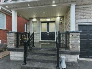 EXCELLENT 3 Bedroom Detached House @VAUGHAN $949,900 ONLY