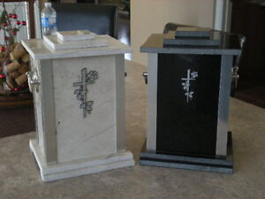 Urnes funéraires  / Funeral urns Gatineau Ottawa / Gatineau Area image 1
