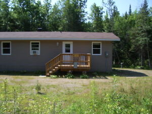 House/Cabin/Four Season Recreational Property- Bissett Creek