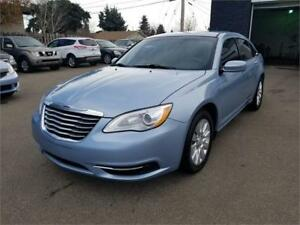 2013 Chrysler 200 **** Newer Tires *** Excellent Condition ****