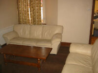 Cosy room in good location close to center and University and hospital.Start from £85p/w