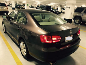 2011 Volkswagen Jetta 2.5L - Beige Leather