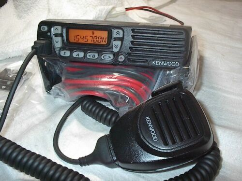 KENWOOD TK-7160H VHF 136-174MHZ 50W WITH NEW ACCESSORY KMC30