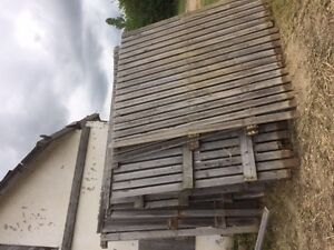 large amount of same dimension barn board for sale