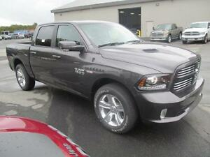 2017 Ram 1500 Sport Crew 4x4 Air suspension, Leather