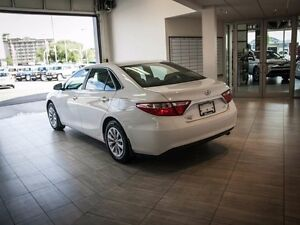 2015 Toyota Camry LE, Touch Screen, Back Up Camera, AUX/USB, Blu Edmonton Edmonton Area image 5