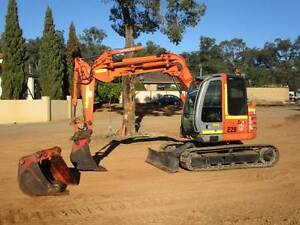 EXCAVATOR HITACHI 7.5 TONNER 3X BUCKETS. KNUCKLE BOOM Pickering Brook Kalamunda Area Preview