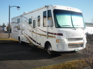 "FOR SALE:  2008 DAMON ""Daybreak"" Class A Motorhome"