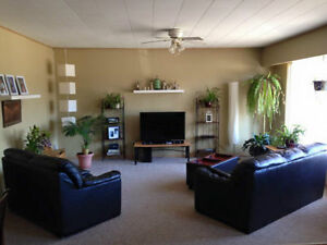 Large Family Home for Rent in Nipawin, 5 bed/2bath - Avail Oct 1