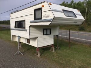 1991 Sun Lite Hide Away 8 1/2 foot truck camper