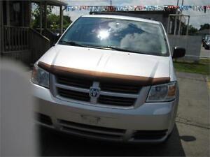 2008 Dodge Grand Caravan SE - DVD!!  FOLD AWAY SEATING !!