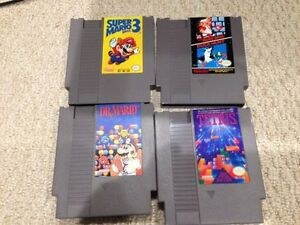 Nintendo (NES) Controllers, Guns and Games