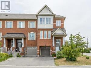 677 COURTNEY VALLEY RD Mississauga, Ontario