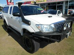 2011 Toyota Hilux KUN26R MY10 SR Xtra Cab White 5 Speed Manual Cab Chassis Kippa-ring Redcliffe Area Preview