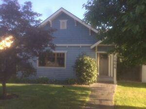 Full house/detached garage for rent near downtown 3 bed 2 bath