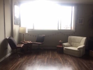 *Stampede Rental* 17th Ave-1 Bedroom Apartment!
