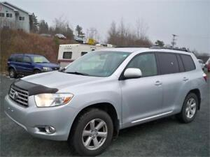 FINANCE IT! 2010 Toyota Highlander + 2 SETS OF TIRES AND RIMS!!!