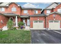 Beauty Townhome in 5th Line Subdivision - Angus