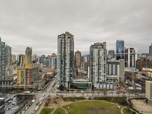 Stylish, furnished 2 bed by Emery Barnes Park, heart of Yaletown