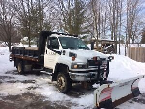 2008 GMC C5500 Pickup Truck with snow plow and Salter