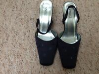 Jonelle Blue High Heeled Shoes/Sandals Size 6