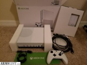 Xbox One S 1TB (3 games 1 controller and mic)