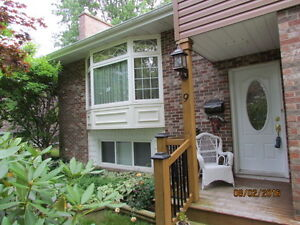 Well Maintained Split Level - 9 Parkland Ave - 284,900.00