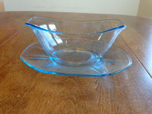 FOSTORIA GLASS FAIRFAX BLUE SAUCE BOAT WITH UNDERPLATE