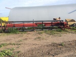 25 foot IH 75 p/t swather