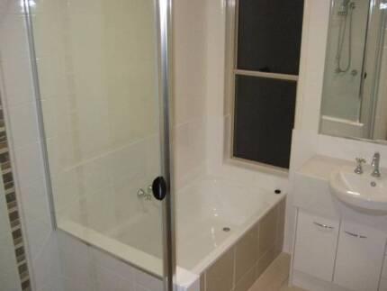 Eight Mile Plains/Underwood area - Single fully furnished room