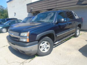 2005 Chevy Avalanche LS $4995