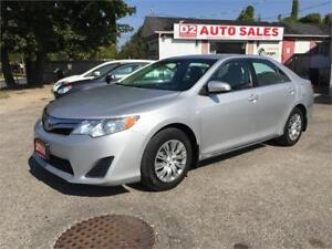 2014 Toyota Camry 1 Owner/Accident Free/Bluetooth/Backup Camera