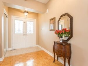 SPACIOUS 3+1Bedroom Detached House @VAUGHAN $959,000 ONLY