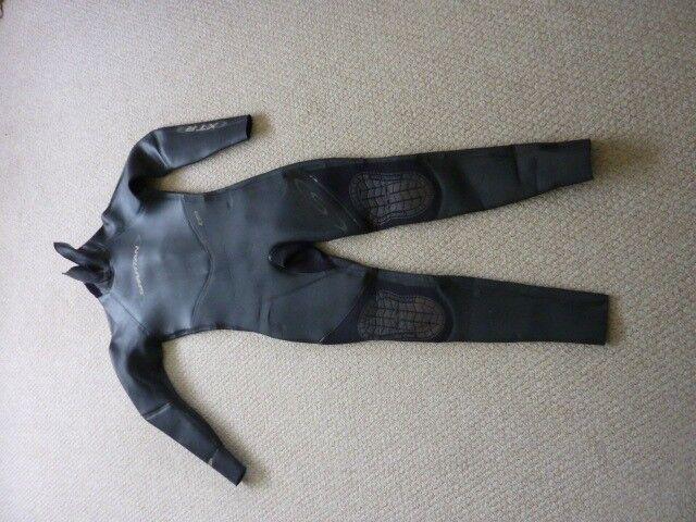 Spartan XTR 5/3 wetsuit. Size L. Free P & P.