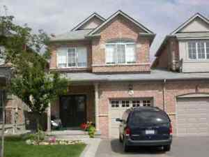 Islington/Rutherford Beautiful Townhouse AVAILABLE from Oct.1st