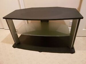 """Tv stand for up to 65"""" tv Kitchener / Waterloo Kitchener Area image 3"""
