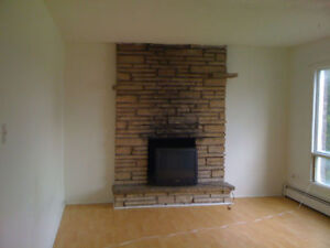 3bdrm East Gatineau apt $899 incl util, fireplace, balcony