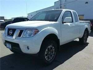 2014 Nissan Frontier PRO-4X King Cab 6 speed manual ! LOW KMS !