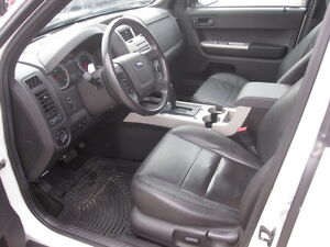 IMMACULATE !!! 2012 FORD ESCAPE London Ontario image 16