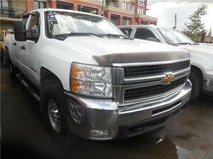 2010 Chev Silverado 2500HD Crew Cab 4x4 190,000Kms New Tires Sto