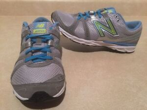 Women's New Balance 690 Running Shoes Size 8.5 London Ontario image 1