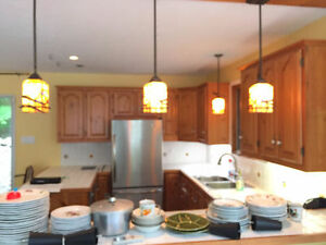 Armoires et tiroirs de cuisine en pin massif en excellent état