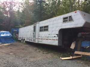 40' enclosed trailer with living quarters
