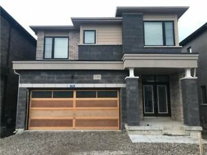 Beautiful Brand New 3+1 Br House in Newmarket For Rent !!!!