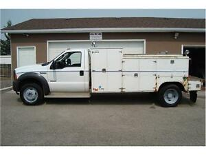 2005 Ford Super Duty F-550 DRW XLT