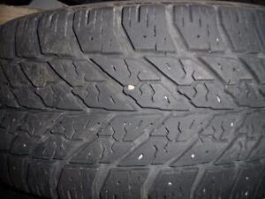 4 pneus d'hiver 205/50/16 Goodyear Ultragrip Winter