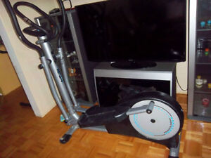 BICYCLETTE STATIONNAIRE , ELLIPTICAL CROSS TRAINER ST690  SPECI