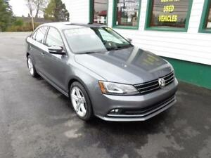 2015 Volkswagen Jetta TDI Highline only $194 bi-weekly all in!